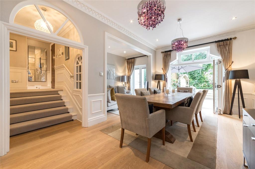 3 Bedrooms Flat for sale in The Seasons, West Heath Road, Hampstead, London