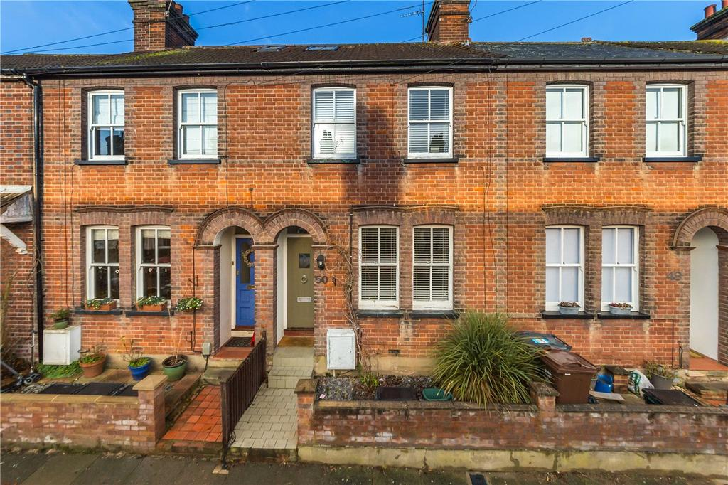 3 Bedrooms Terraced House for rent in Kimberley Road, St. Albans, Hertfordshire