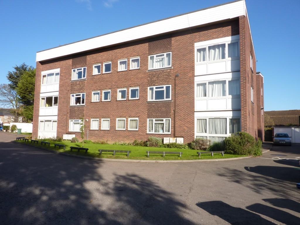 2 Bedrooms Ground Flat for rent in Kensington Court, Quainton Close