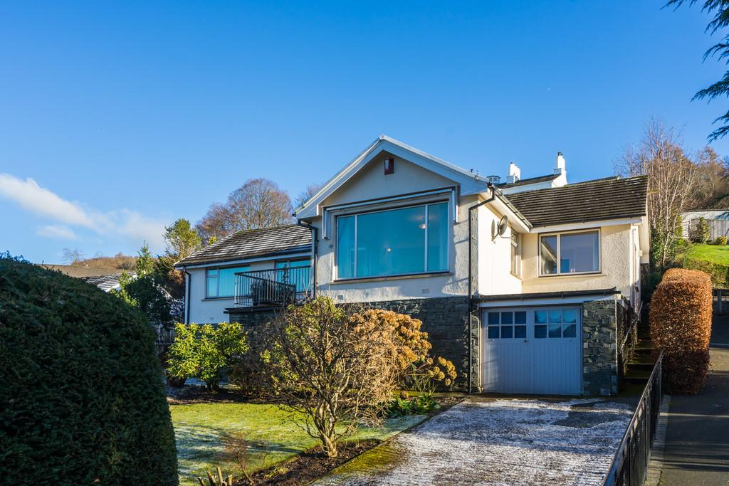 3 Bedrooms Detached Bungalow for sale in Fairfield, 21 Ferney Green Drive, Bowness On Windermere, Cumbria, LA23 3HS