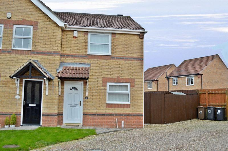 2 Bedrooms Semi Detached House for sale in Fox Covert, South Hykeham