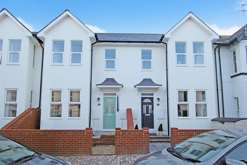 3 Bedrooms End Of Terrace House for sale in Broadwater Street East, Worthing, BN14 9AP