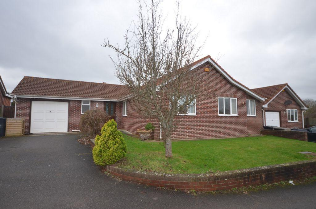 3 Bedrooms Bungalow for sale in Veryan Close, Dawlish, EX7