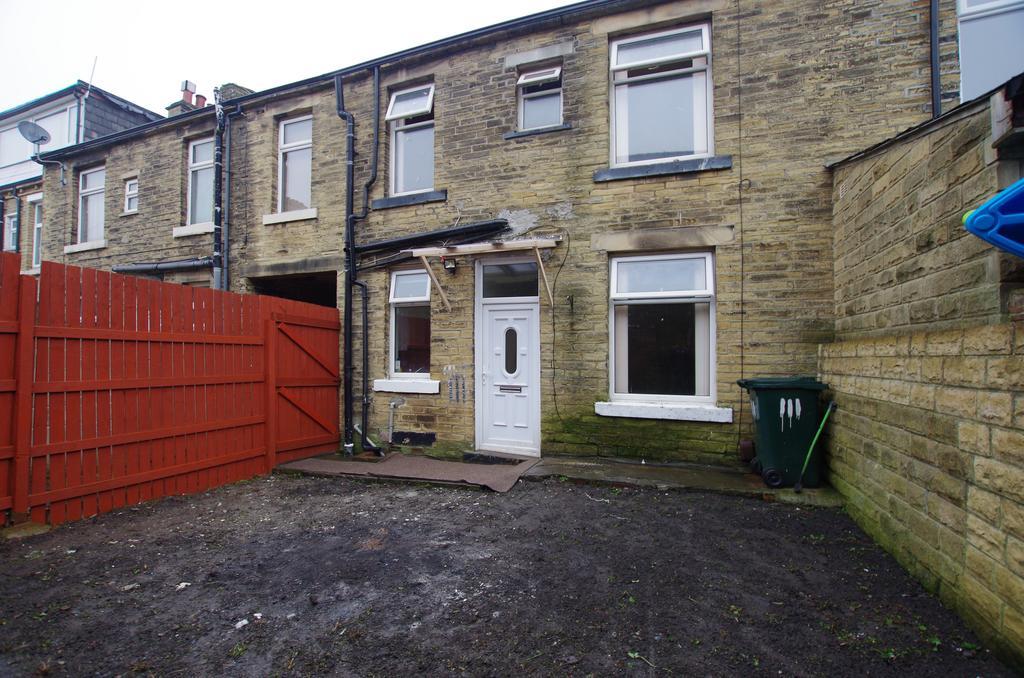 3 Bedrooms Town House for sale in WOODROYD ROAD, BRADFORD, BD5 8BA