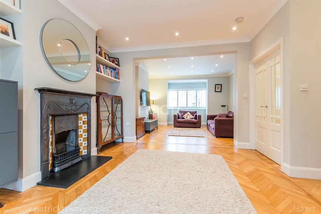 5 Bedrooms Detached House for sale in Barry Road,East Dulwich, London, SE22