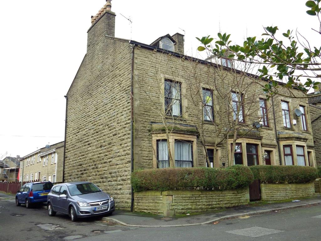 4 Bedrooms End Of Terrace House for sale in Victoria Street, Haslingden, Rossendale, Lancashire, BB4