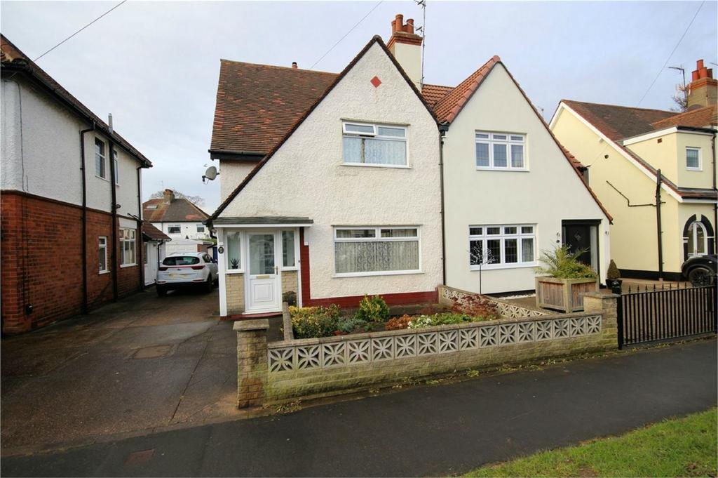 2 Bedrooms Semi Detached House for sale in Anlaby Park Road North, Hull, East Riding of Yorkshire