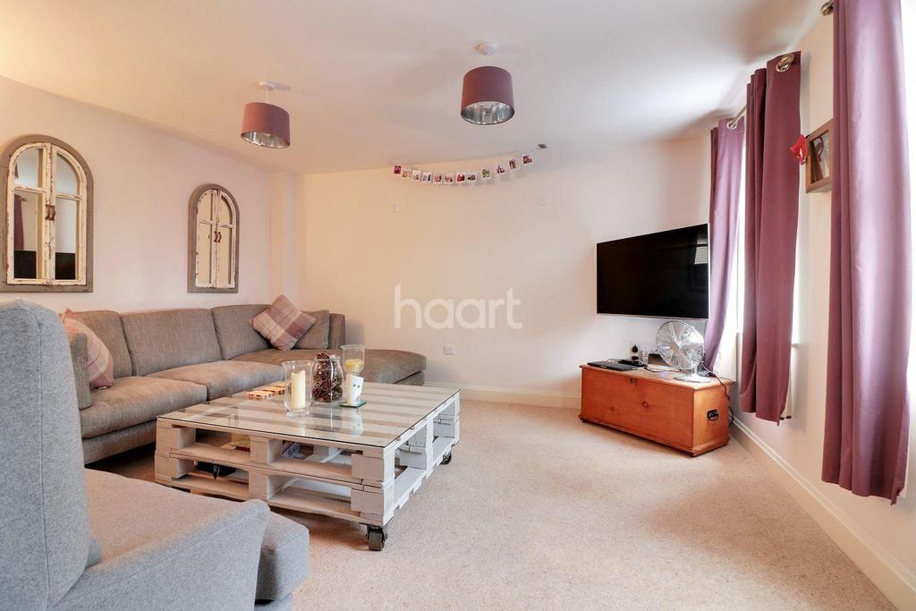 3 Bedrooms Terraced House for sale in Captain Ford Way, Dereham