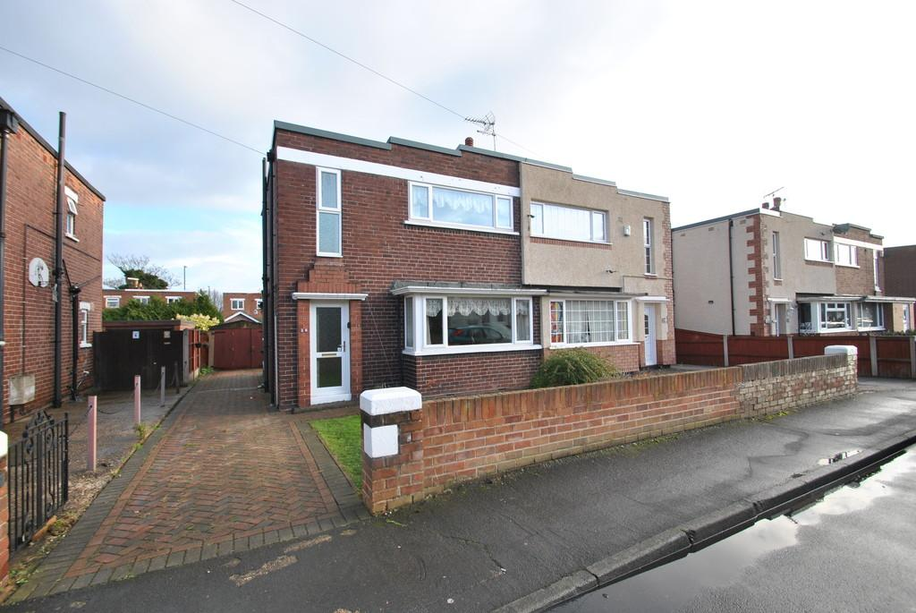 3 Bedrooms Semi Detached House for sale in Norman Crescent, Sunnyfields , Doncaster