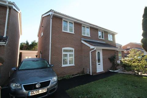 3 bedroom semi-detached house to rent - Spruce Drive, Leegomery, Telford