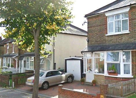 3 Bedrooms Semi Detached House for rent in Nursery Road, Southgate, N14