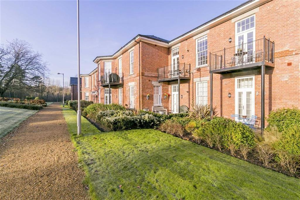 2 Bedrooms Flat for sale in Ashford Court, Epsom, Surrey