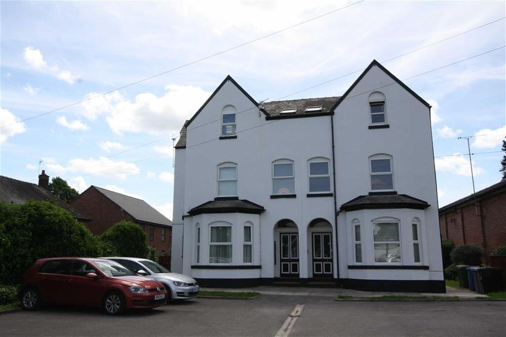 2 Bedrooms Flat for sale in Roebuck Lane, Sale, Cheshire