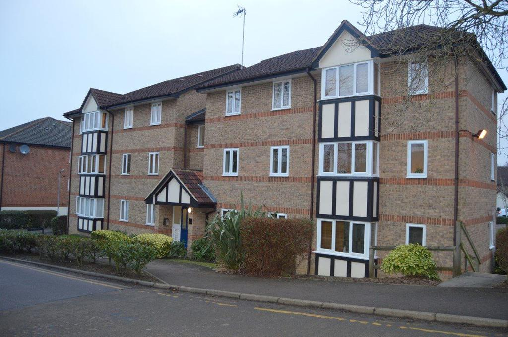 2 Bedrooms Flat for rent in Fallow Rise, Hertford
