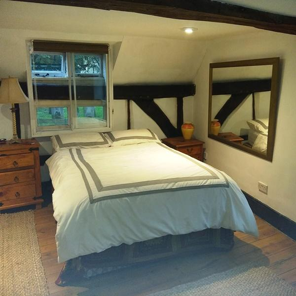 2 Bedrooms Cottage House for rent in North Street, Peworth GU28