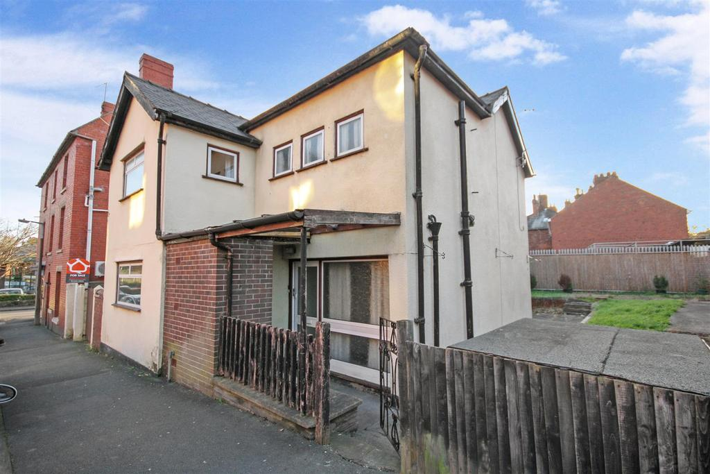 3 Bedrooms Detached House for sale in Gittin Street, Oswestry