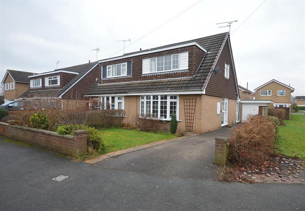 3 Bedrooms Semi Detached House for sale in Peckforton Close, Elworth, Sandbach