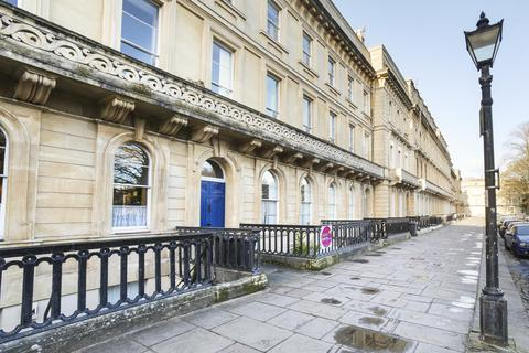 2 bedroom apartment to rent - Garden flat, Victoria Square, Clifton, BS8