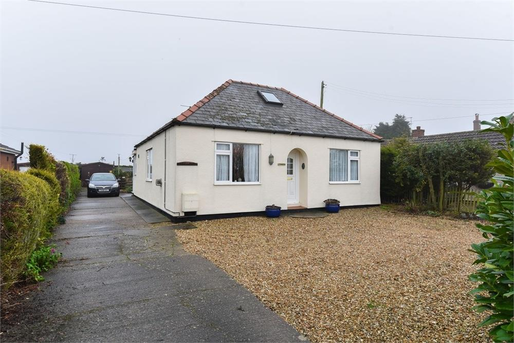2 Bedrooms Detached Bungalow for sale in Tattershall Road, Boston, Lincolnshire