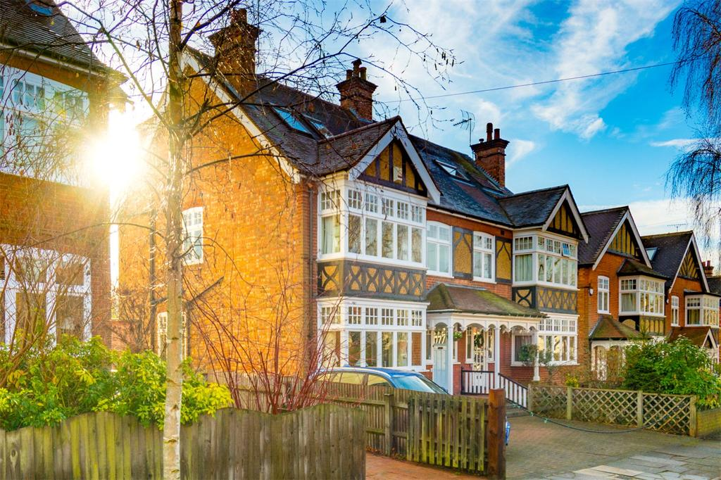 5 Bedrooms Semi Detached House for sale in Cunningham Avenue, St. Albans, Hertfordshire