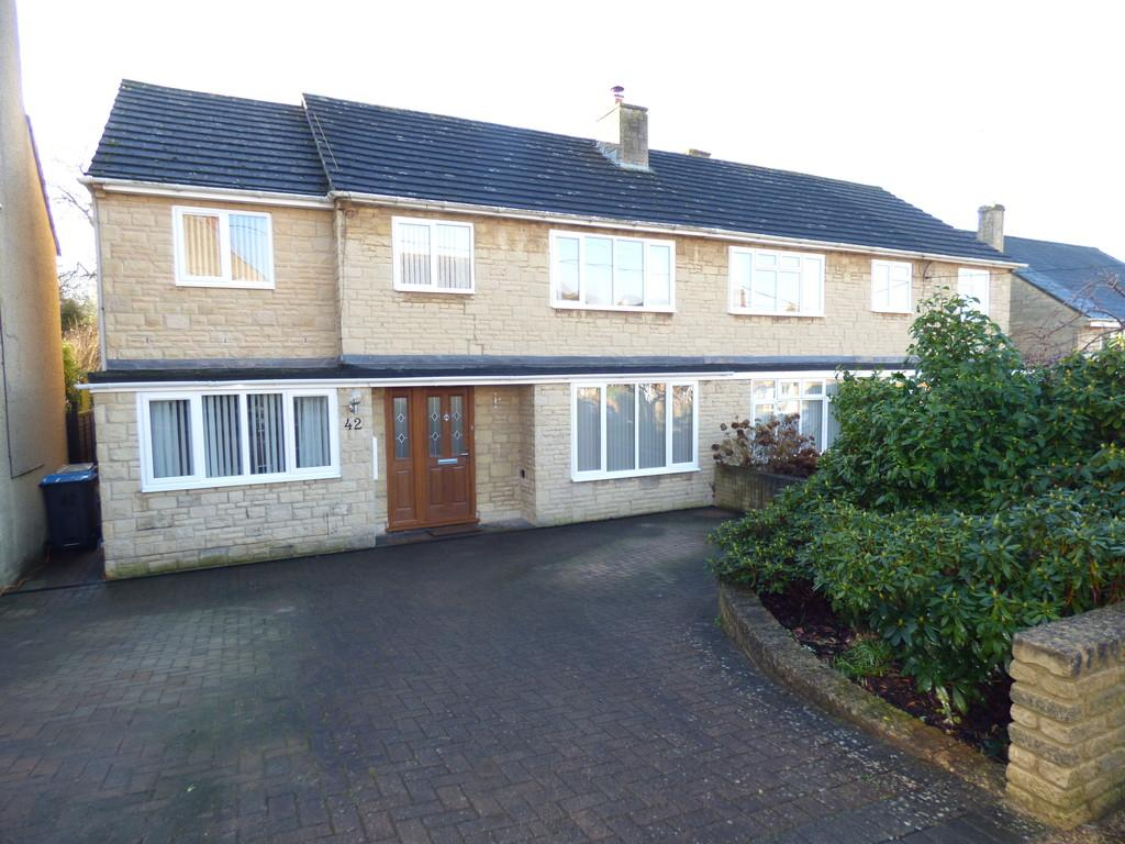 4 Bedrooms Semi Detached House for sale in The Leys, Chipping Norton