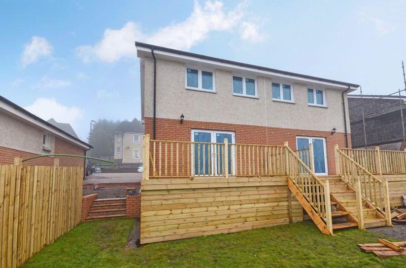 3 Bedrooms Semi Detached House for sale in Hillside, Croy