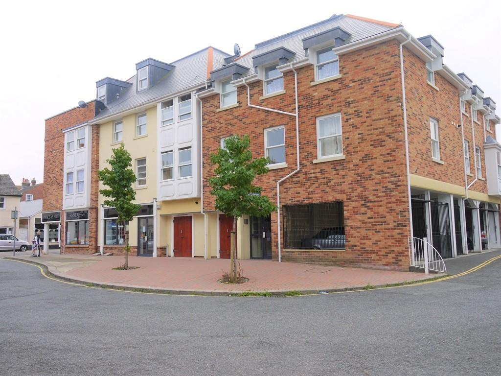 2 Bedrooms Apartment Flat for rent in Chain Lane, Newport