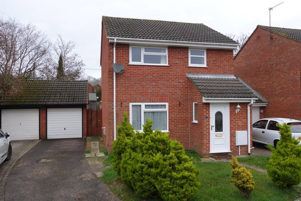 3 Bedrooms Detached House for rent in The Tussocks, Marchwood