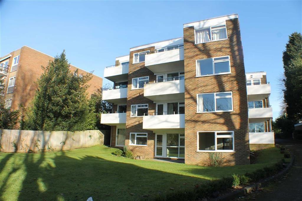2 Bedrooms Flat for sale in Beaumont Court, Harpenden, Hertfordshire