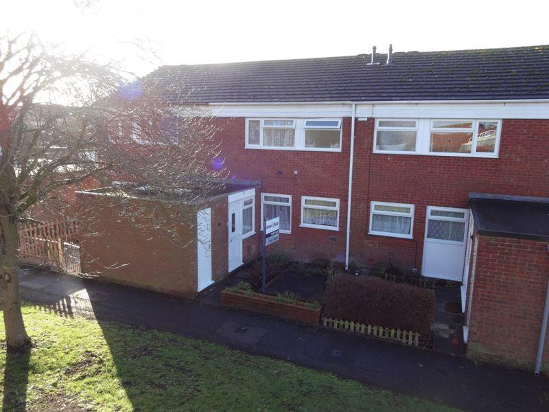 3 Bedrooms Terraced House for sale in Enfield Close, Dunstable