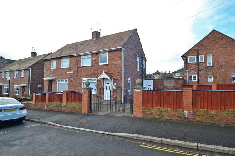 3 Bedrooms Semi Detached House for sale in Hudson Street, North Shields