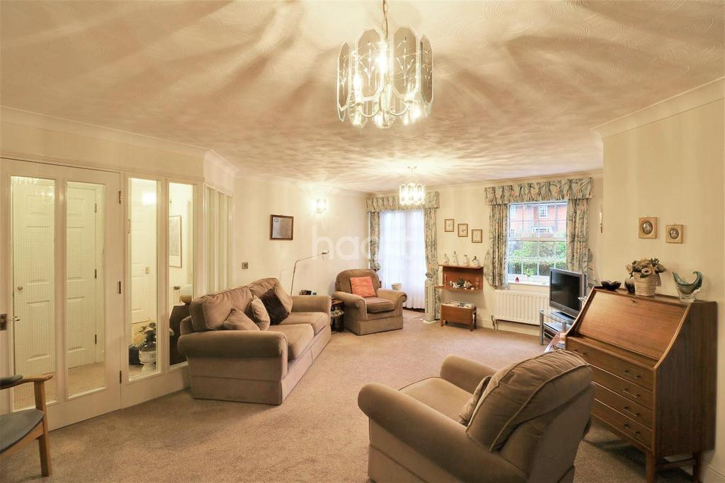 2 Bedrooms Flat for sale in West Side
