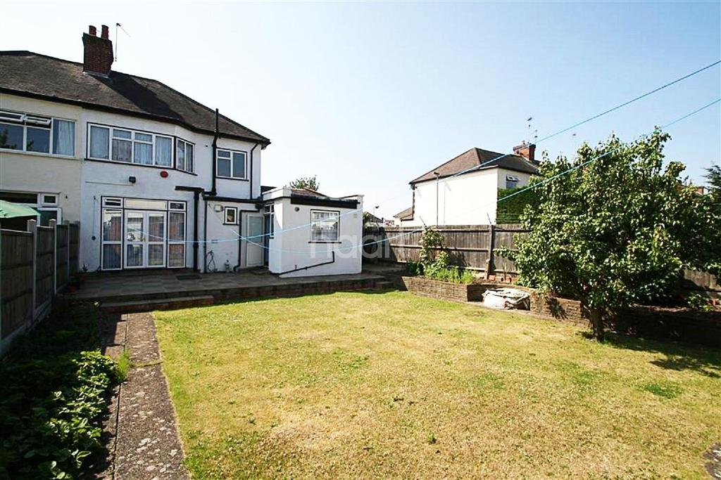 3 Bedrooms Semi Detached House for sale in Elmcroft Avenue , E11