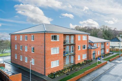 2 bedroom flat for sale - Iveson Drive, Ireland Wood, Leeds
