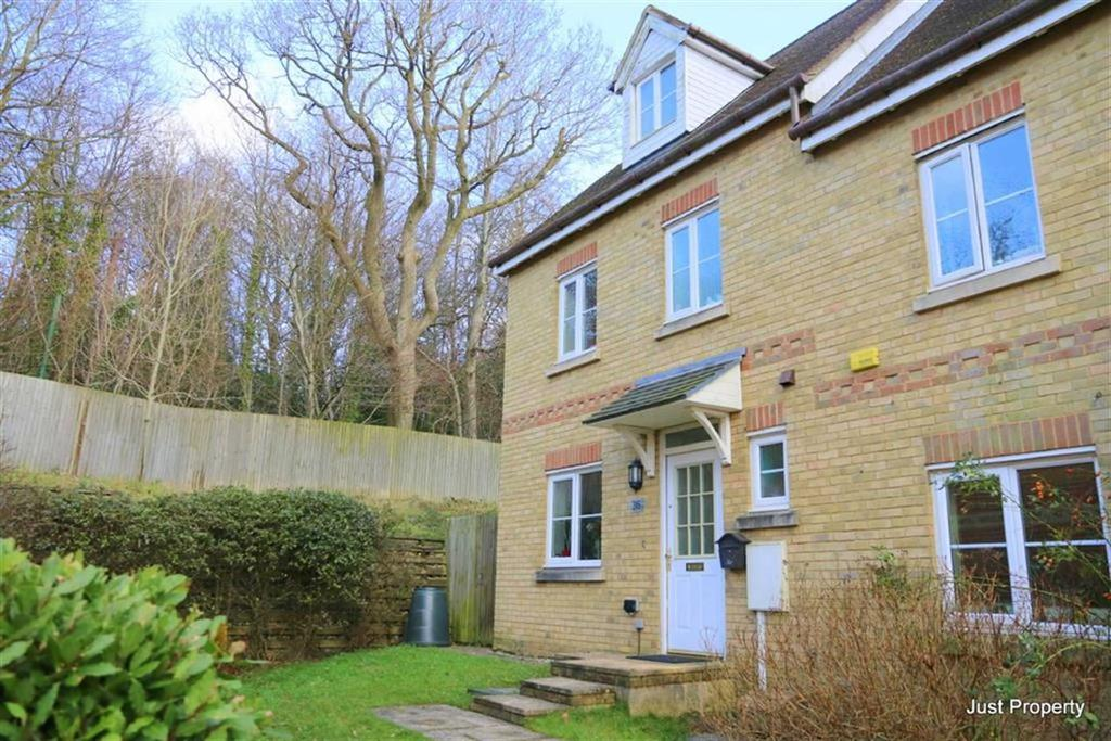 4 Bedrooms Semi Detached House for sale in Helmsman Rise, St Leonards On Sea