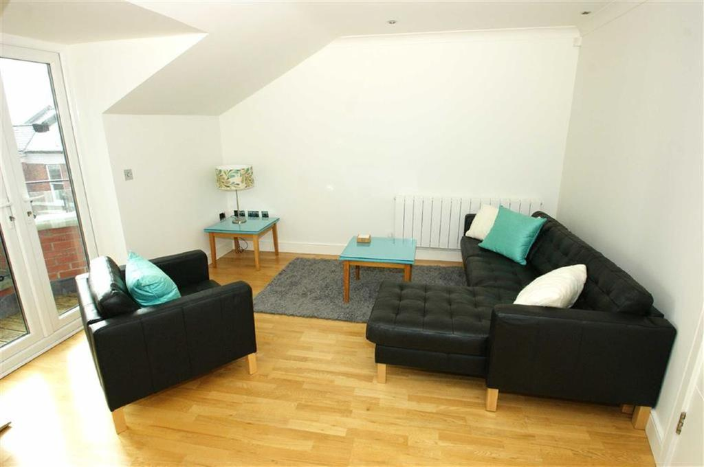 2 Bedrooms Flat for rent in The Hall, Allerton Hill, LS7