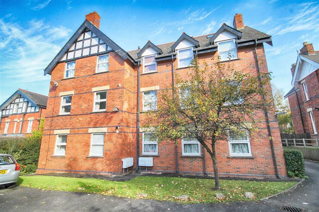 2 Bedrooms Flat for sale in Eldorado Road, Christchurch, Cheltenham, GL50