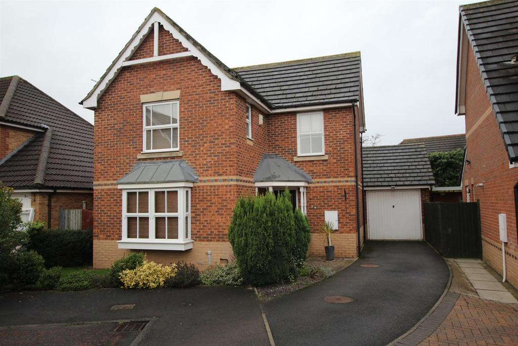 3 Bedrooms Detached House for sale in Helmsdale Close, Darlington