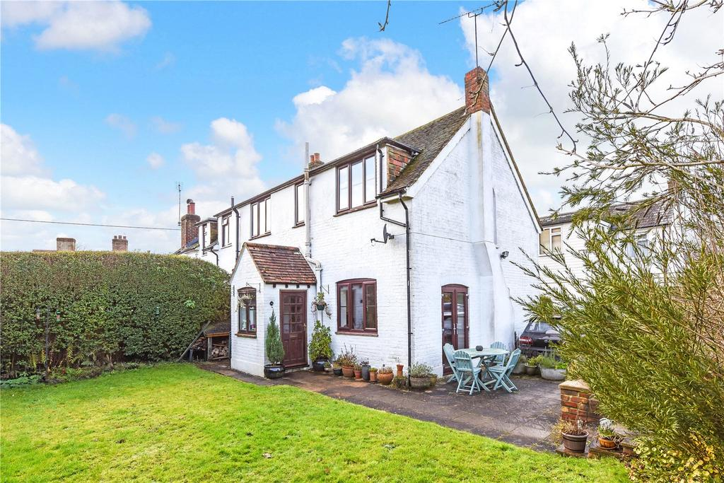 3 Bedrooms Semi Detached House for sale in Club House Cottages, High Street, Medstead, Alton