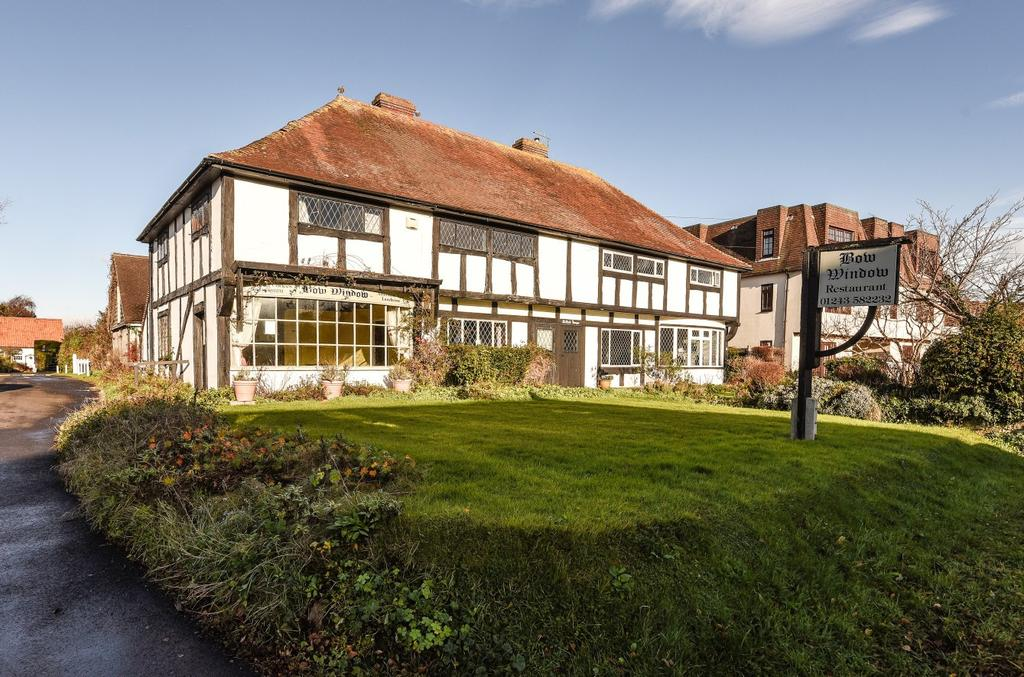 4 Bedrooms Semi Detached House for sale in Middleton Road, Middleton On Sea, Bognor Regis, PO22