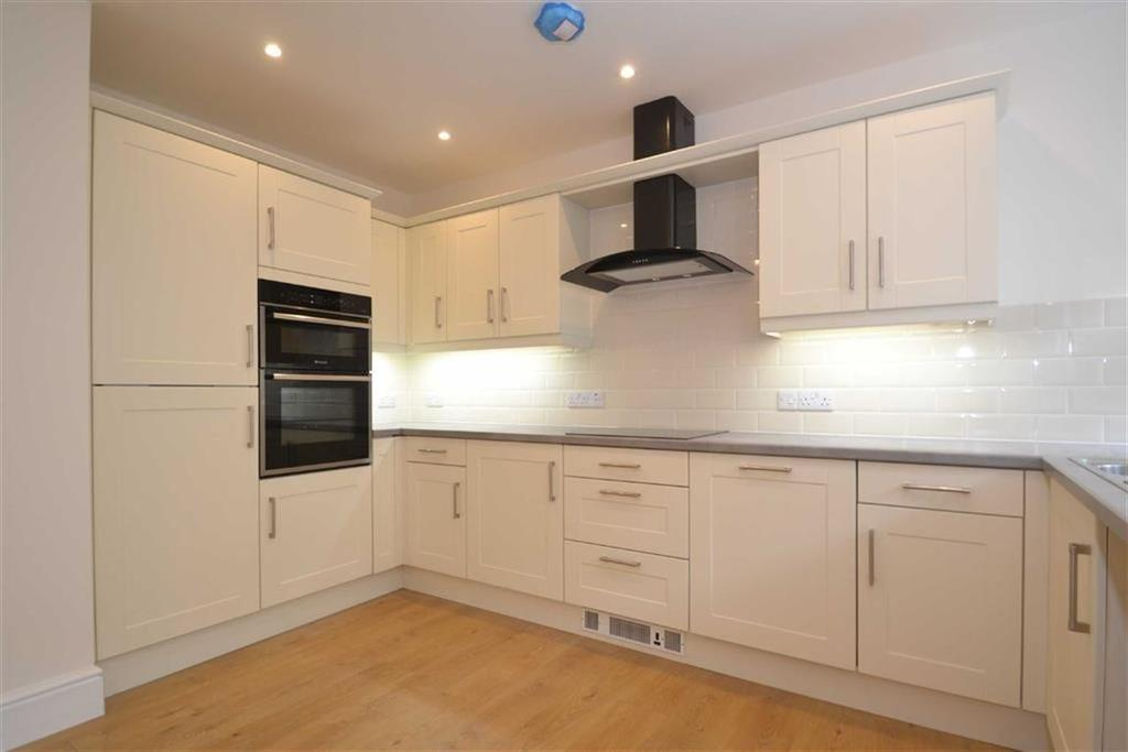 2 Bedrooms Cottage House for rent in The Crescent Back Road, Scarborough, North Yorkshire, YO11