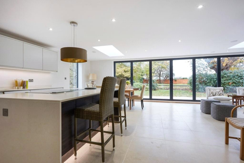 5 Bedrooms Detached House for sale in West End Gardens, Esher, Surrey, KT10