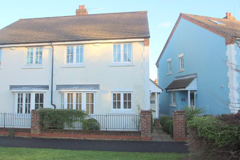 4 Bedrooms Semi Detached House for sale in Meadow Lane, Southampton