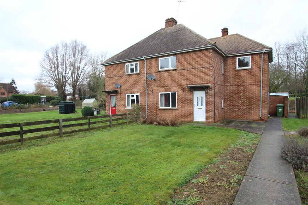3 Bedrooms House for sale in Woughton On The Green, Milton Keynes