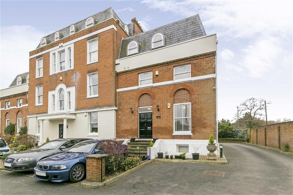2 Bedrooms Flat for sale in Westgate House, Epsom, Surrey