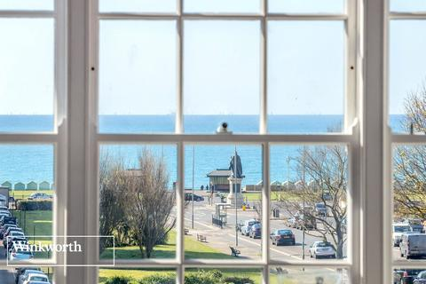 3 bedroom flat for sale - Grand Avenue, Hove, BN3