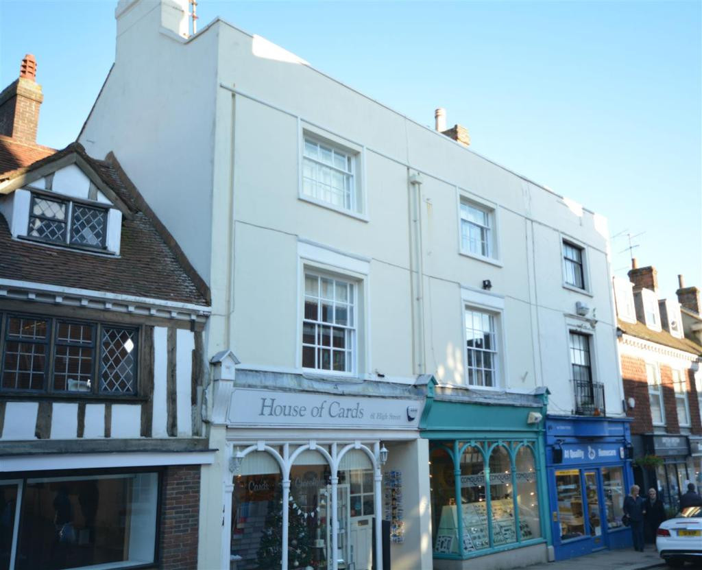5 Bedrooms Maisonette Flat for sale in High Street, Battle