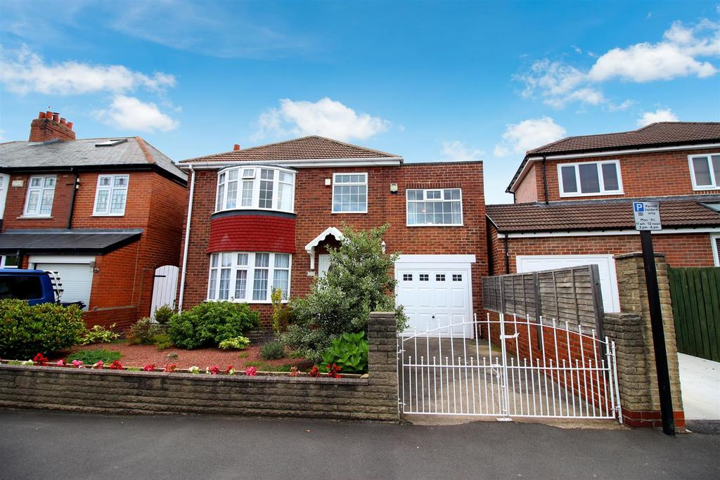 4 Bedrooms Detached House for sale in Swaledale Gardens, High Heaton, Newcastle upon Tyne