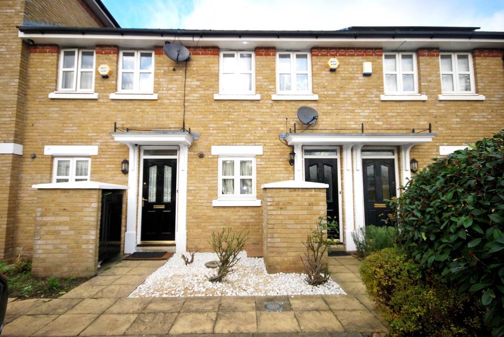 2 Bedrooms Terraced House for sale in Sumner Road Peckham SE15