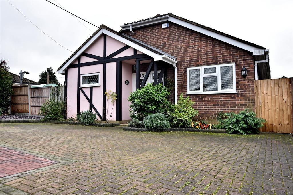2 Bedrooms Bungalow for sale in Benfleet